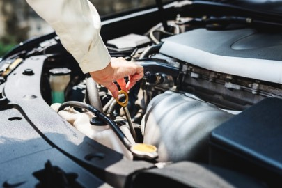 What Are the Different Types of Engine Oil?