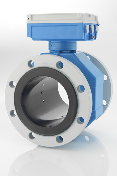 World's first electromagnetic flowmeter without measuring tube restriction